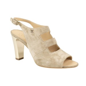 efd188b78ef Chanel Heels   Pumps on Sale - Up to 70% off at Tradesy