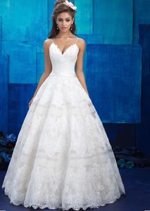Allure Bridals Champagne / Ivory Lace English Net & Satin Gown Style 9400 Feminine Wedding Dress Size 10 (M)