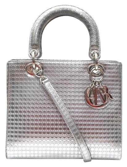 Preload https://img-static.tradesy.com/item/25132337/dior-lady-dior-micro-cannage-perforated-metallic-tote-silver-satchel-0-2-540-540.jpg