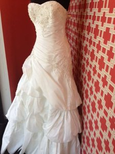 Maggie Sottero Diamond White Taffeta Hampton Feminine Dress Size 8 (M)