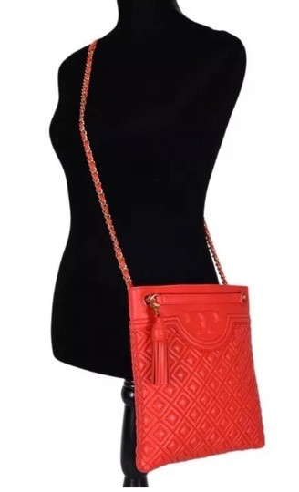 Preload https://img-static.tradesy.com/item/25133233/tory-burch-fleming-quilted-swingpack-red-leather-shoulder-bag-0-2-540-540.jpg