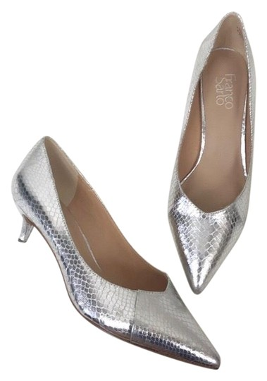 Preload https://img-static.tradesy.com/item/25133366/franco-sarto-silver-metallic-kitten-heels-pumps-size-us-95-regular-m-b-0-1-540-540.jpg