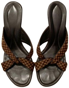 aeb4d0b3125177 Louis Vuitton Shoes on Sale - Up to 70% off at Tradesy