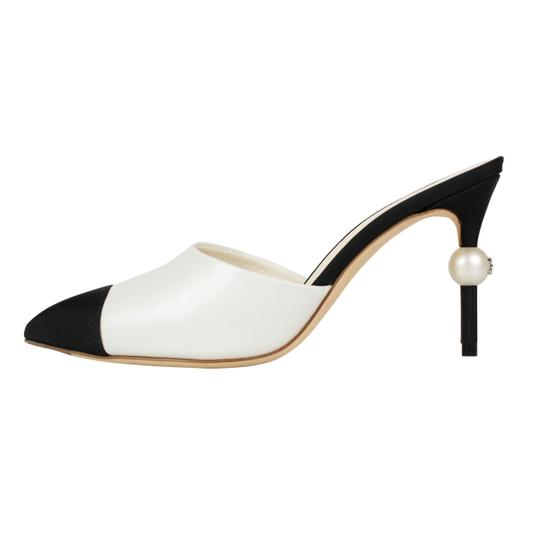 Chanel Goatskin Leather Pointed Toe Pearl White And Black Mules Image 2