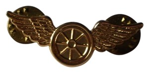 Other Like new goldtone wings pin