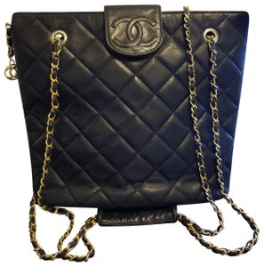 Chanel Tote in Black, Gold