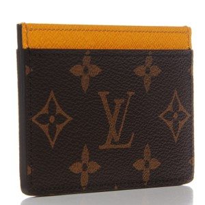 e8aad4c5b7f2d9 Louis Vuitton Card Cases - Up to 70% off at Tradesy (Page 10)
