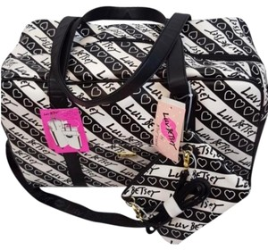 5977021677d14 Betsey Johnson Bags - Up to 90% off at Tradesy