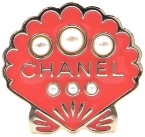 Chanel Rare CC pearls and enamel gold Clam sea shell Hardware Brooch Pin