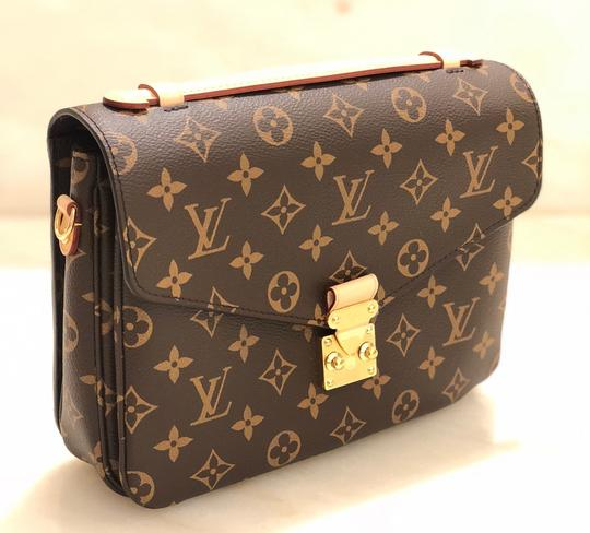 Louis Vuitton Cross Body Bag Image 2