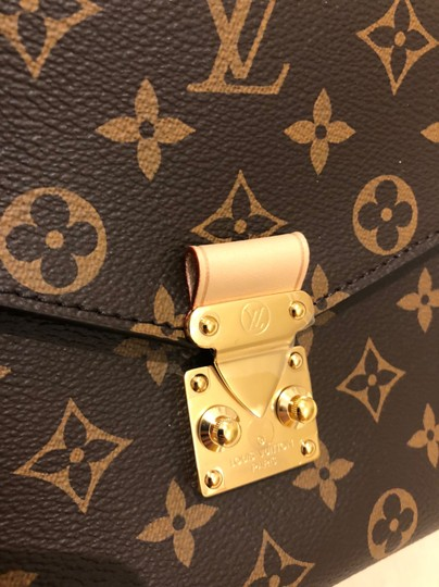 Louis Vuitton Cross Body Bag Image 5