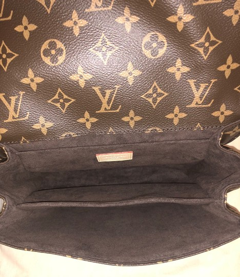 Louis Vuitton Cross Body Bag Image 6