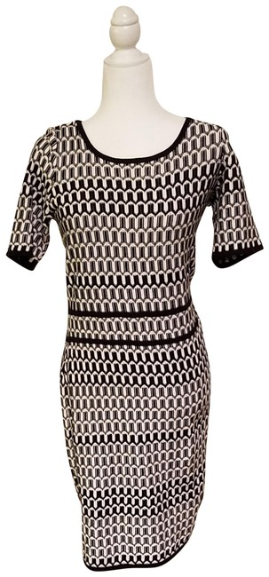 Preload https://img-static.tradesy.com/item/25139526/ann-taylor-black-white-chic-knee-length-patterned-sweater-mid-length-workoffice-dress-size-8-m-0-1-650-650.jpg