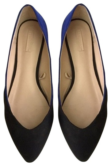 Preload https://img-static.tradesy.com/item/25139532/zara-black-blue-flats-size-eu-38-approx-us-8-regular-m-b-0-1-540-540.jpg