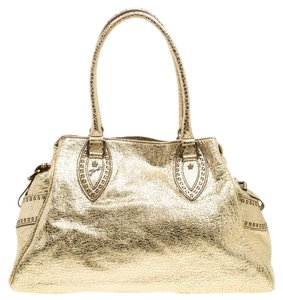 28c025301d Fendi Bags on Sale - Up to 70% off at Tradesy