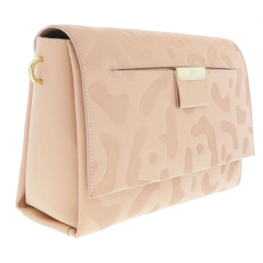 Preload https://img-static.tradesy.com/item/25139782/roberto-cavalli-class-medium-shoulder-nude-calf-leather-and-synthetic-leather-tote-0-0-540-540.jpg