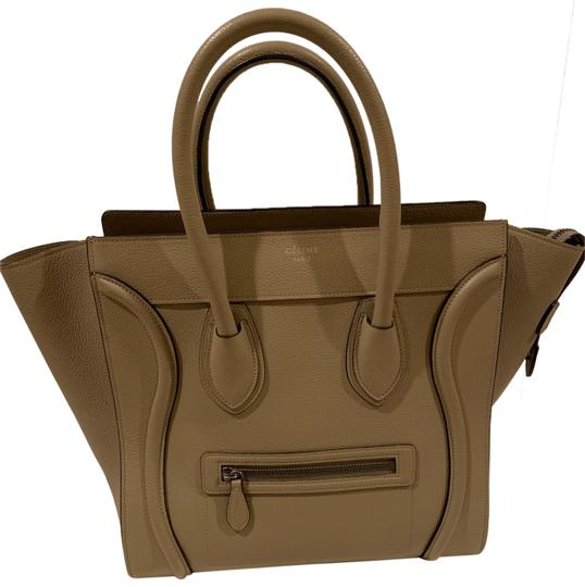 Preload https://img-static.tradesy.com/item/25140269/celine-phantom-luggage-like-new-mini-khaki-beige-handbag-souris-tote-0-1-540-540.jpg