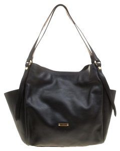a1ad7199928c Burberry Totes - Up to 70% off at Tradesy (Page 2)