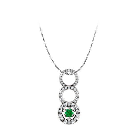 Preload https://img-static.tradesy.com/item/25140365/green-emerald-and-cz-graduated-circle-pendant-14k-white-gold-necklace-0-0-540-540.jpg