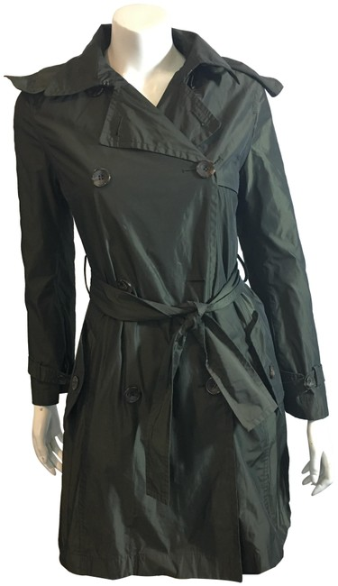Preload https://img-static.tradesy.com/item/25141244/max-mara-olive-weekend-129219-green-rain-hooded-coat-size-4-s-0-1-650-650.jpg