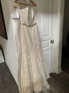 Watters & Watters Bridal Alice Feminine Wedding Dress Size 10 (M)