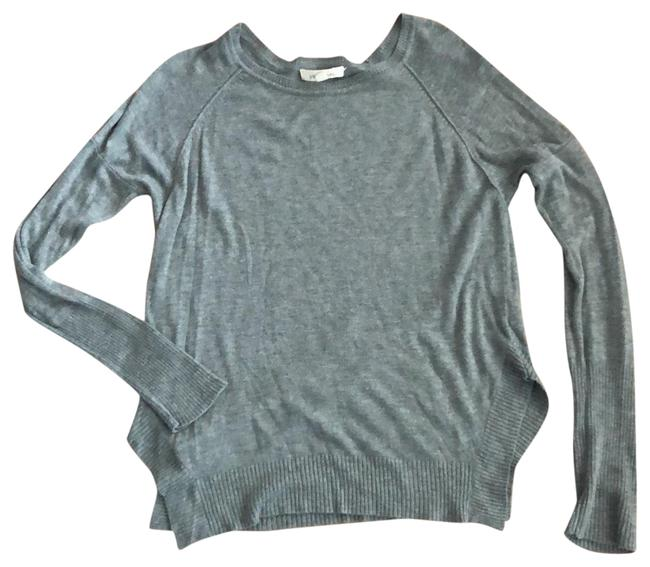 Item - Comfy Modern Gray Sweater