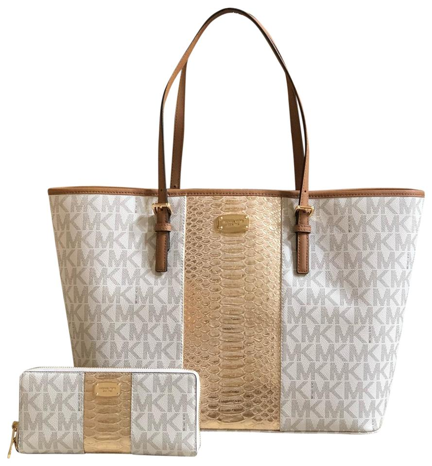 e7e65bc2f4 Michael Kors Carry All 2pcs Center Stripe Large Tote+lg Wallet Vanilla/Gold  Canvas Tote