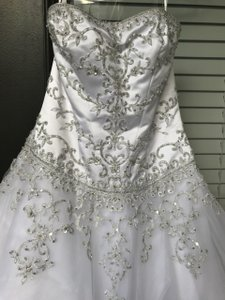 David's Bridal White Polyester Wg9927 Traditional Wedding Dress Size 10 (M)