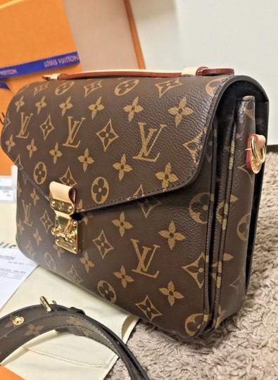 Louis Vuitton Pochette Metis Rare New Cross Body Bag Image 3