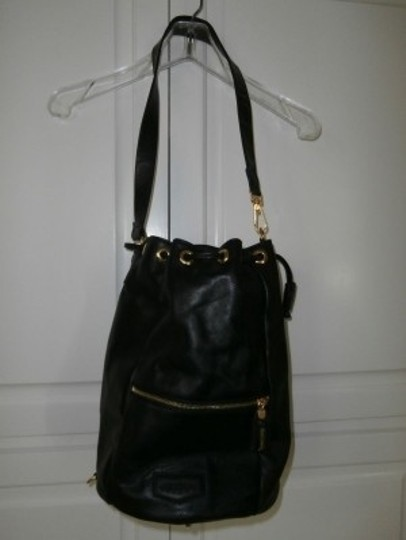Preload https://item2.tradesy.com/images/marco-tadini-from-italy-drawstring-black-leather-shoulder-bag-25146-0-0.jpg?width=440&height=440