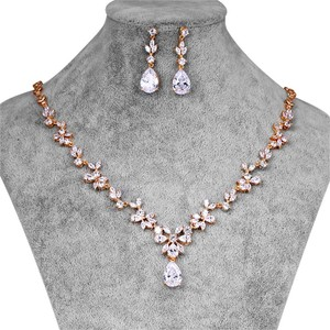Rose Gold Finish Brilliant Elegant Jewelry Set