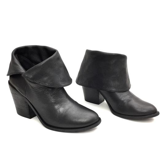 Preload https://img-static.tradesy.com/item/25148657/lucky-brand-black-leather-fold-over-ankle-bootsbooties-size-us-8-regular-m-b-0-0-540-540.jpg