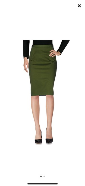 Preload https://img-static.tradesy.com/item/25148660/givenchy-greenblack-and-navy-skirt-size-6-s-28-0-0-650-650.jpg