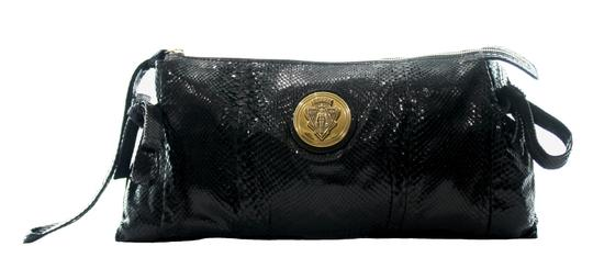Preload https://img-static.tradesy.com/item/25148997/gucci-tom-ford-collection-black-python-skin-leather-clutch-0-0-540-540.jpg