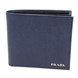 4c02a17f78c2c2 Prada Wallets on Sale - Up to 70% off at Tradesy (Page 4)