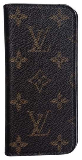 Preload https://img-static.tradesy.com/item/25149187/louis-vuitton-brown-monogram-iphone-6-and-6s-folio-case-lv-tech-accessory-0-1-540-540.jpg