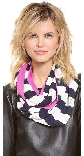 Preload https://img-static.tradesy.com/item/25149240/juicy-couture-stripe-it-infinity-scarfwrap-0-1-540-540.jpg