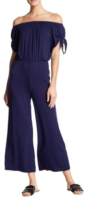 Preload https://img-static.tradesy.com/item/25149359/velvet-torch-off-shoulder-romperjumpsuit-0-1-650-650.jpg