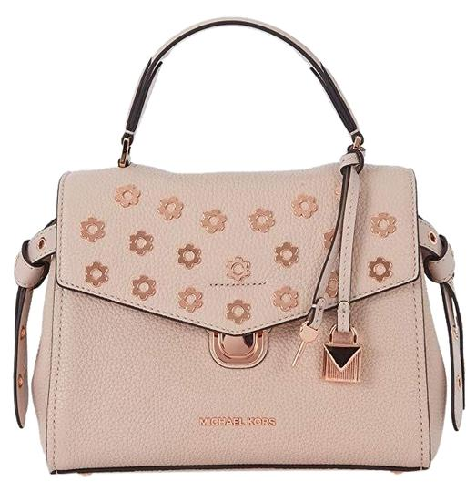 Preload https://img-static.tradesy.com/item/25149431/michael-kors-bristol-top-handle-small-soft-pink-leather-satchel-0-1-540-540.jpg