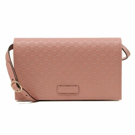 Preload https://img-static.tradesy.com/item/25149504/gucci-soft-pink-micro-gg-guccissima-leather-crossbody-bag-466507-5806-wallet-0-0-540-540.jpg