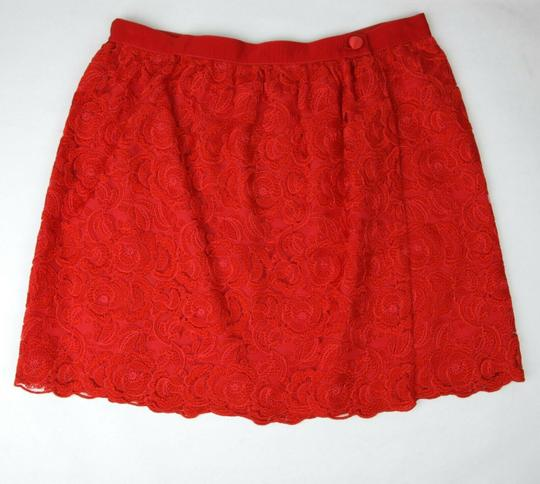 Preload https://img-static.tradesy.com/item/25149667/gucci-red-cotton-floral-lace-button-wrap-skirt-10-years-405978-6400-groomsman-gift-0-0-540-540.jpg
