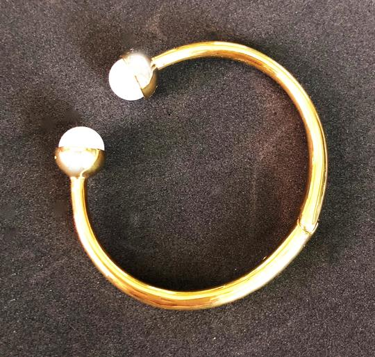 Tory Burch Brand New Tory Burch Logo Bead Hinged Cuff Bracelet Ivory Pearl Bud Image 5