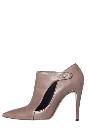 Preload https://img-static.tradesy.com/item/25149795/manolo-blahnik-grey-cut-out-bootsbooties-size-eu-375-approx-us-75-regular-m-b-0-0-540-540.jpg
