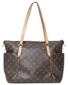 Louis Vuitton Totally Mm Monogram Tote in Brown