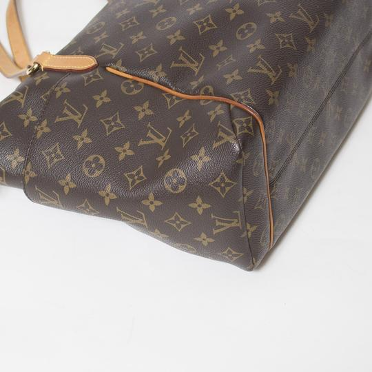 Louis Vuitton Totally Mm Monogram Tote in Brown Image 3