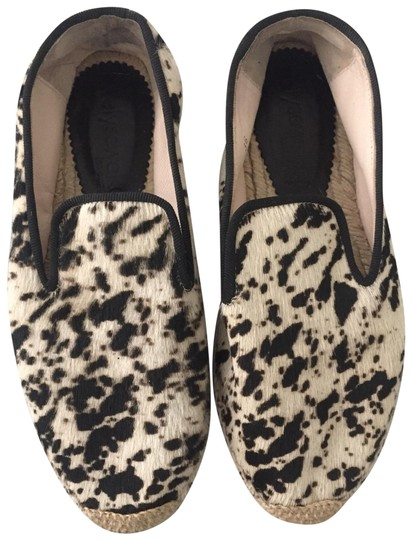 Preload https://img-static.tradesy.com/item/25150176/elysewalker-los-angeles-black-and-cream-calf-hair-spot-printed-espradrille-flats-size-eu-36-approx-u-0-1-540-540.jpg