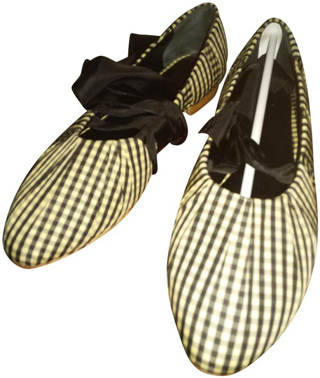 Preload https://img-static.tradesy.com/item/25150187/trademark-black-white-silvia-gingham-ballet-with-ribbon-ties-flats-size-eu-41-approx-us-11-regular-m-0-1-540-540.jpg