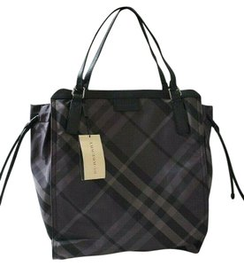 7b069bc799c15 Burberry Bags and Purses on Sale - Up to 70% off at Tradesy