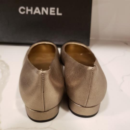Chanel Loafers Moccasin Cc Gold/Black Flats Image 2