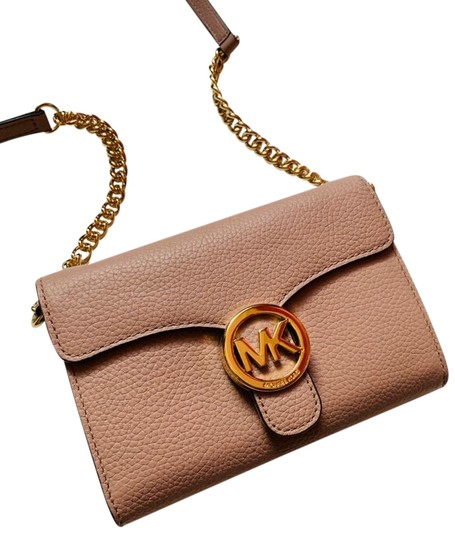 Preload https://img-static.tradesy.com/item/25151660/michael-kors-mk-phone-blush-cross-body-bag-0-5-540-540.jpg